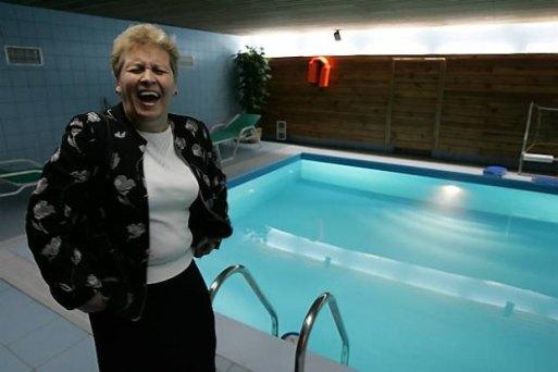 w tym basenie pływał i szczał do niego Andrzej Lepper