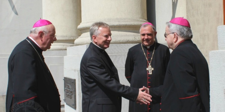 biskupo-imbecillo-160214-1200600