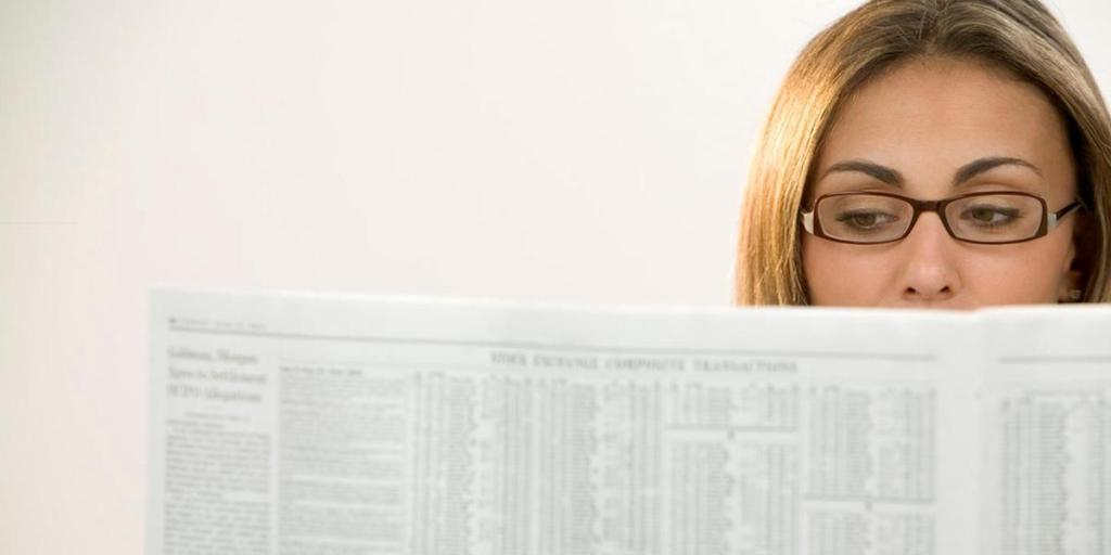 readinglist-woman-paper-160820-1200600