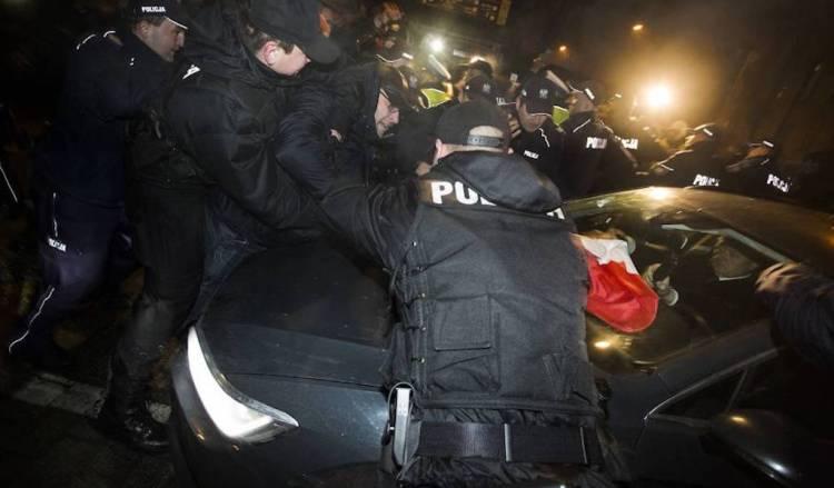 krakow-wawel-policja-161219-1024600